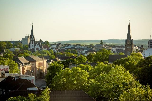 Blick über Gießen mit St. Bonifatiuskirche und Johanneskirche